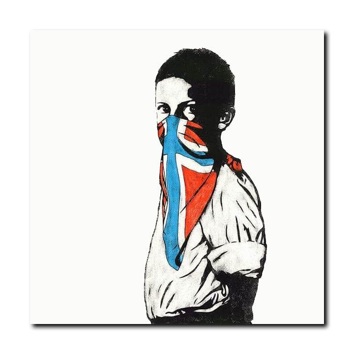 Dolk Vandal silketrykk gutt med norskfarget bandana i ansiktet
